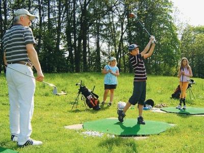 Golfisté pořádají v neděli tradiční Den otevřených dveří