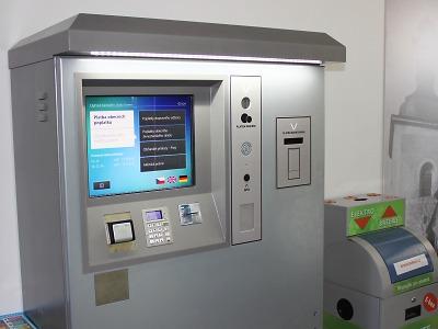 Na Nové Radnici v Turnově můžete platit nově platební kartou