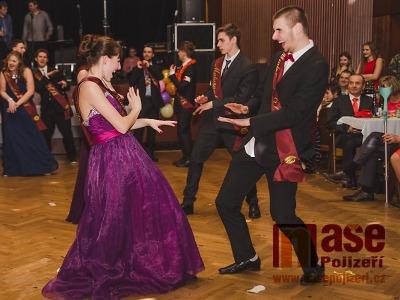Březnové plesy a karnevaly zakončí taneční sezonu