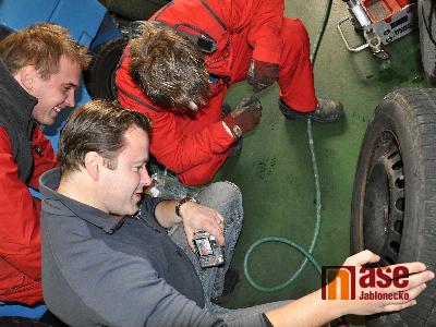 Víte kam v Turnově odkládat staré pneumatiky?