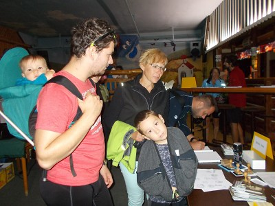 Celkem 180 turistů vyrazilo po stopách učitele Jana Buchara