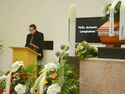 Obrazem: Poslední rozloučení s Antonínem Langhamerem