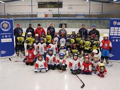 Náborová akce Týden hokeje se konala i v lomnické aréně