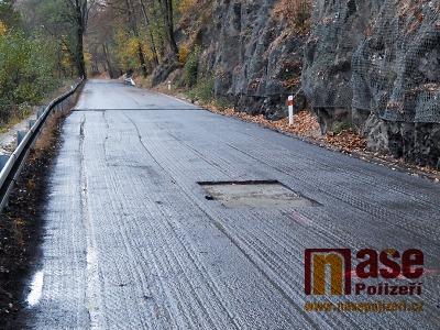 FOTO: Problematickou část Pojizerky u Hájů nad Jizerou opět opravovali
