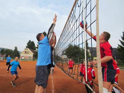 Policejní turnaj ve volejbale vyhrál tým Územního odboru Semily