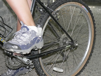 Cyklista zemřel u Vysokého nad Jizerou po pádu z kola
