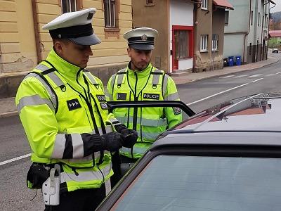 Se zákazem řízení jezdil po Rovensku