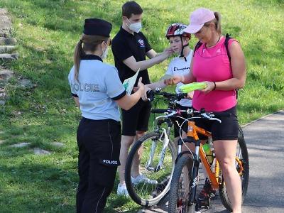 Policisté dohlíželi na správný pohyb na cyklostezkách