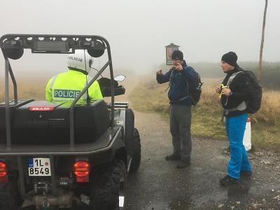 Krajští policisté kontrolují chování návštěvníků Krkonoš