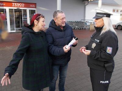 Na vánoční nákupy bez nepříjemností dohlíží i policisté