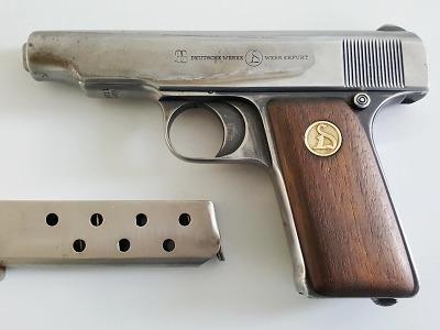 Držitelů zbrojních průkazů i zbraní v Libereckém kraji mírně přibylo