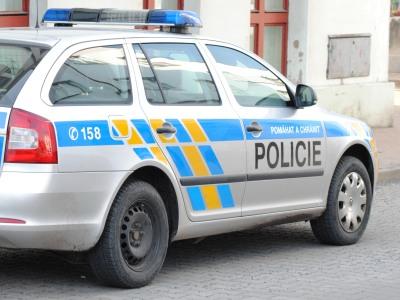 Mladý vandal pošlapal BMW, škoda je padesát tisíc