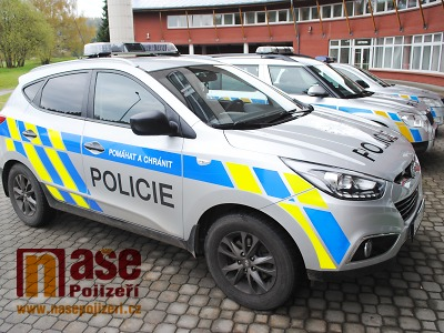Policisté u Harrachova zadrželi zahraniční překupníky luxusních BMW