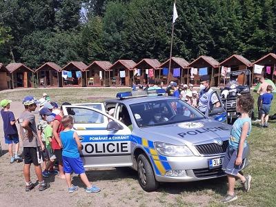 Policisté navštívili letní dětský tábor Krasnov u Vyskeře
