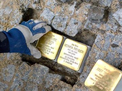 Slavnostní položení kamenů zmizelých v Turnově je ve čtvrtek 23. září