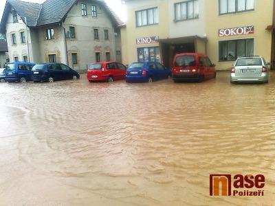 FOTO: Kundratice a Kruh v sobotu postihla blesková povodeň