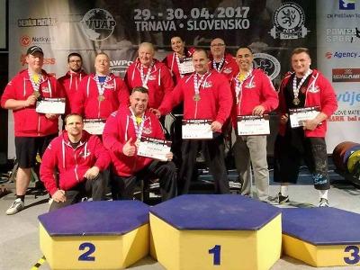 Závodníci Powerlifting Animals Semily přivezli z Trnavy deset medailí