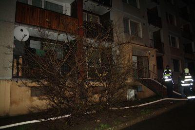 FOTO: Při požáru zemřela žena