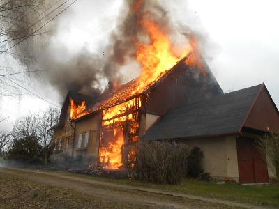 Hořel rodinný dům v Proseči pod Ještědem
