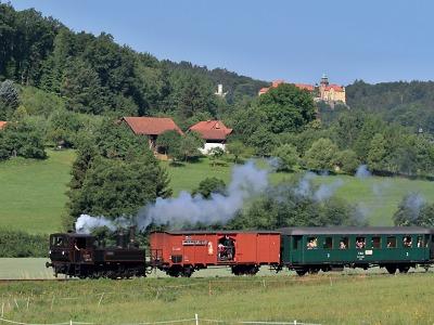 Prázdninový parní vlak opět brázdí koleje v Českém ráji