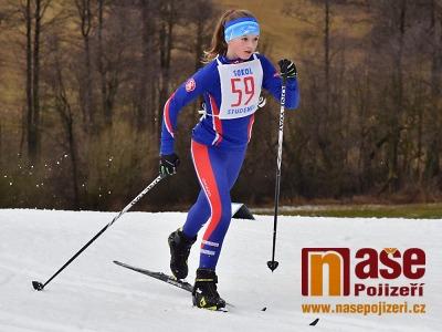 Obrazem: Přebor obce sokolské v běhu na lyžích se konal ve Vrchlabí