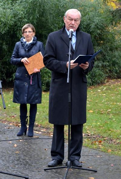 Památku 17. listopadu uctili i zástupci Libereckého kraje