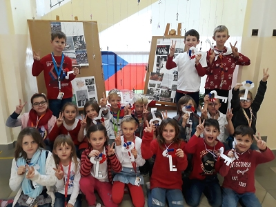 Projektový den 17. listopad pořádali na ZŠ Žižkova Turnov