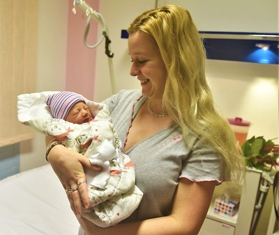 První dítě roku 2020 v Libereckém kraji je Kristián, holčičkou Kateřina