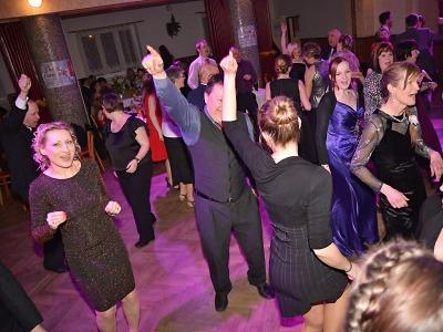 Obrazem: První jarní ples ve Slané 2017