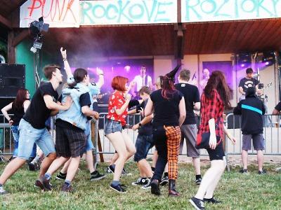 Ohlédnutí za festivalem Punkrockové Roztoky 2015