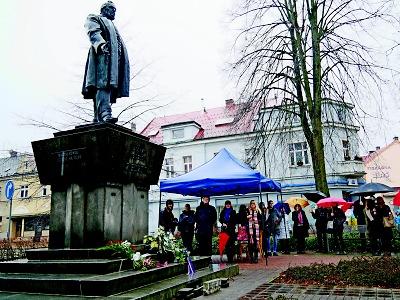 Ohlédnutí za oslavami 200. výročí narození F. L. Riegra v Semilech