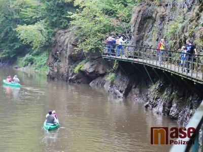FOTO: Nejméně tisíc turistů uctilo výročí Riegrovy a Palackého stezky