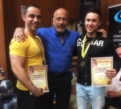 Robert a Patrik Tomášové získali medaili na ME v benchpressu