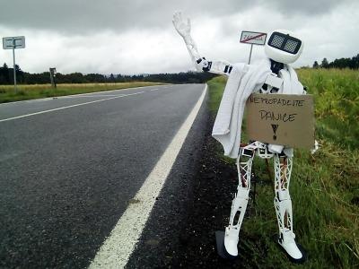 Robot Matylda si jede stopem z Jablonce do Pelhřimova pro rekord
