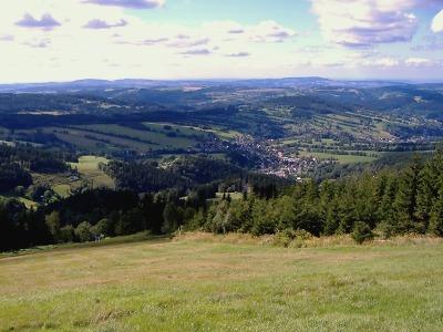 Krkonošský výlet nabídne výhledy, lezení ve stromech i závody motokár