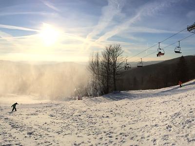 V Rokytnici zahájili lyžařský provoz včetně lanovky na Lysou horu