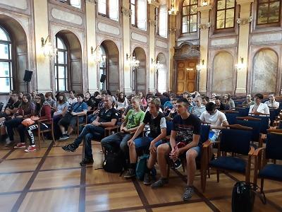 Žáci z Rovenska navštívili Senát