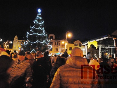Začátek adventu v Semilech tradičně zahájí rozsvícení vánočního stromu