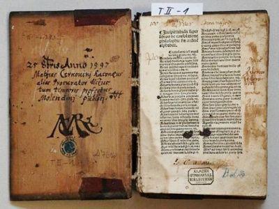 Kraj podpoří restaurování vzácných tisků a rukopisů liberecké knihovny