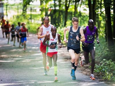 FOTO: Libereckou RunTour ovládli keňští běžci Biwot a Kácser