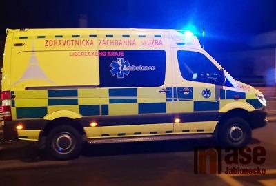 Silnice do Liberce do půlnoci uzavřena, tři osoby odvezli do nemocnice