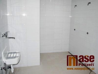 Na Městském stadionu v Semilech rekonstruovali sprchy a kabiny