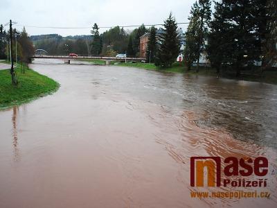 Foto i Video: V Pojizeří jsou zvýšené hladiny řek