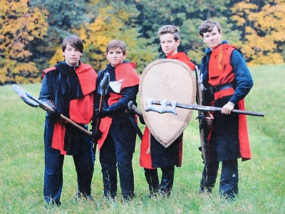 Na Valdštejně vystoupí mladí turnovští šermíři Corvus Mortem