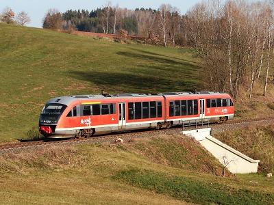 Kraje vyzvaly stát ke zrychlení vlaků mezi Libercem a Hradcem Králové