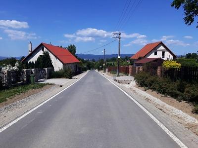 Do Oldřichova už po novém povrchu, další krajské silnice mají opravit