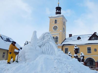V Jilemnici už pracují na sochání sněhového Krakonoše