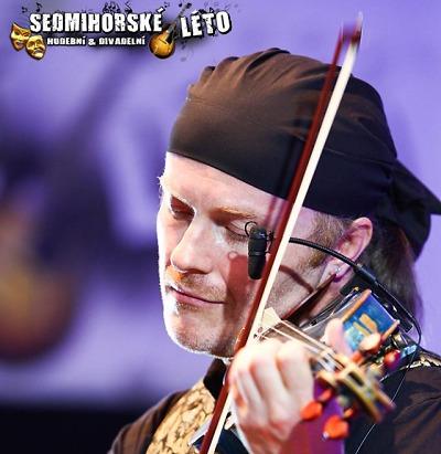 Na Sedmihorském létě si po divadlech užijete koncert Pavla Šporcla
