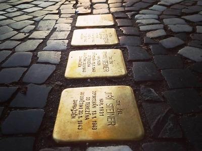 Kameny zmizelých v Turnově mohou podpořit i občané