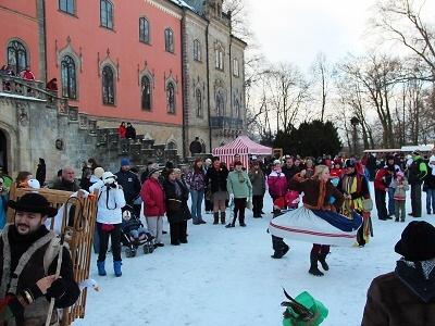 V zimě na hradech gruntují, ale také provází a pořádají masopusty!